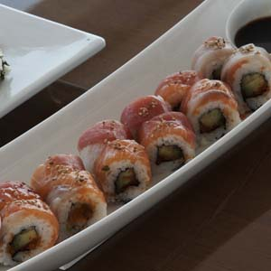 Tuna and salmon sushi rolls